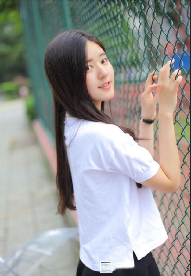 中国美女校花校园写真!这是心动的感觉